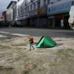 Little People – Miniature Street Art Project