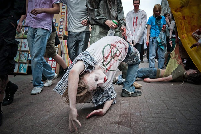 Moscow_Zombie_Parade_twisted