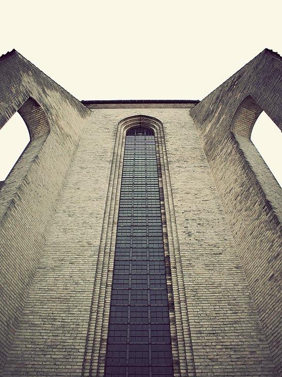 Grundtvig's_Church_2