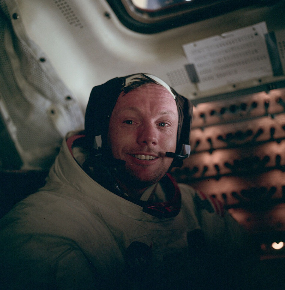 Neil_Armstrong_large