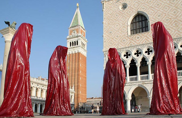 contemporary-art-biennale-show-project-venice--illuminations-manfred-kielnhofer