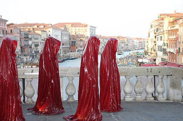 contemporary-art-biennale-show-project-venice--illuminations-punte-di-realto-manfred-kielnhofer