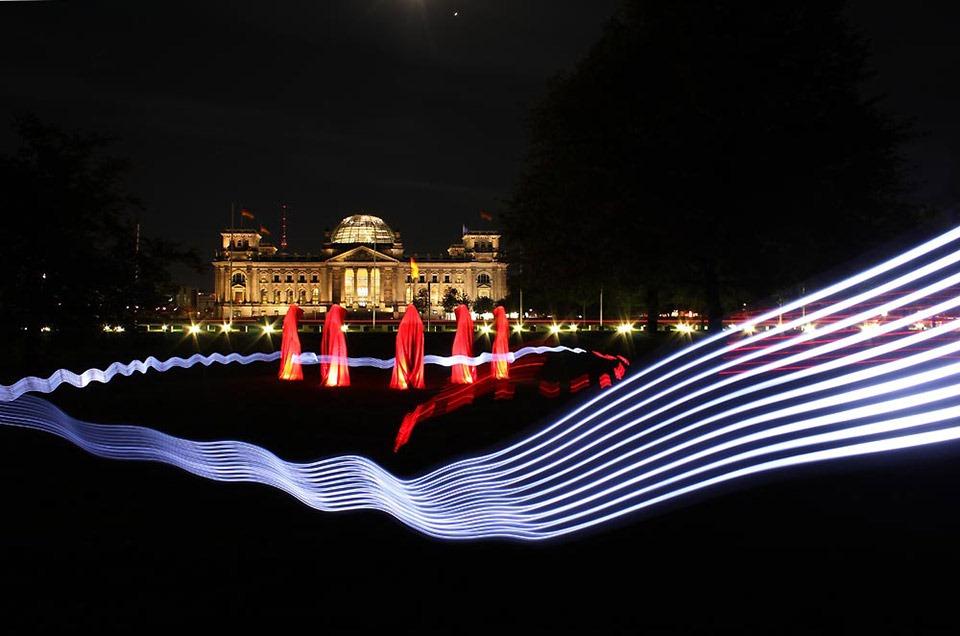 reichstag-deutschland-berlin-festival-of-lights-timeguards-manfred-kielnhofe