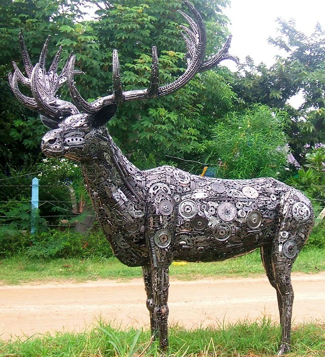 Tom-Samui-sculpture_recycled_metal_buck_deer_640