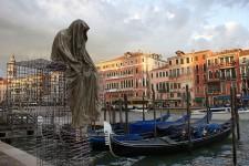 public-biennale-de-arte-venezia-italy-christoph-luckeneder-manfred-kielnhofer-t-guardians-sculpt.jpg