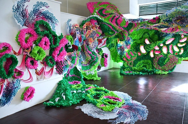 Pseudoscape---A-Large-Scale-Art-Installation-by-Crystal-Wagner-04