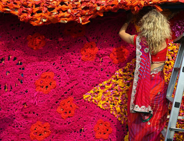 Olek-Rain-Basera-Crocheted-Yarn-Installation-in-New-Delhi-03