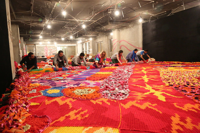 Olek-Rain-Basera-Crocheted-Yarn-Installation-in-New-Delhi-05