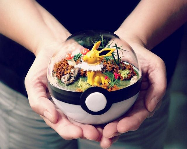 poke_ball_terrarium___jolteon___medium_by_the_vintage_realm-dai8tn5