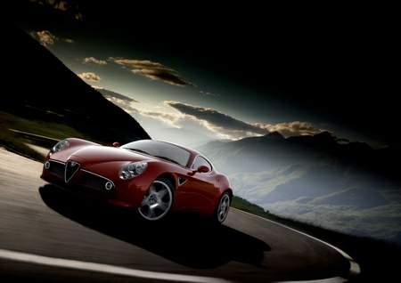 Read more about the article Alfa Romeo 8C Competizione – Promo Video