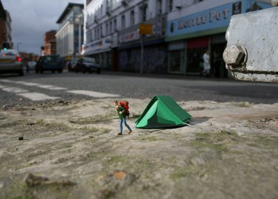 Read more about the article Little People – Miniature Street Art Project