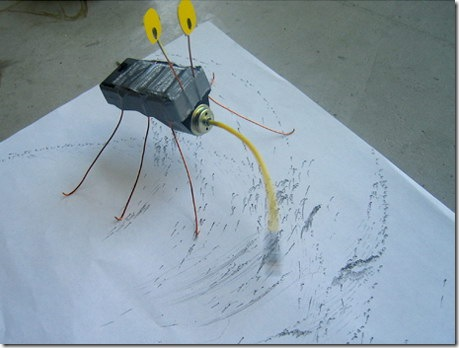 Read more about the article Kinetic Drawing Bug – DIY Instructions