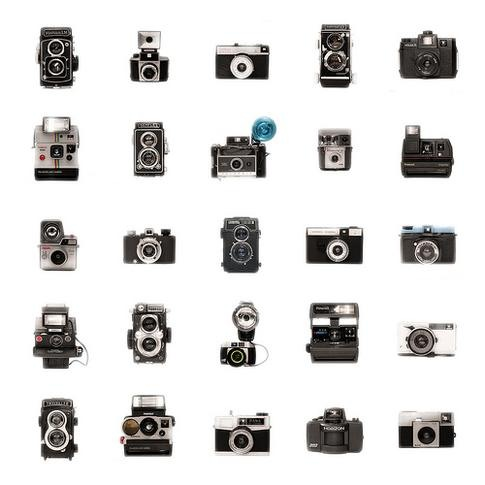 Read more about the article Vintage Film and Polaroid Cameras