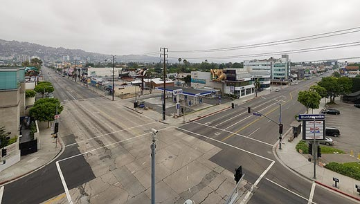 Read more about the article Empty L.A. – A Photo Set By Matt Logue