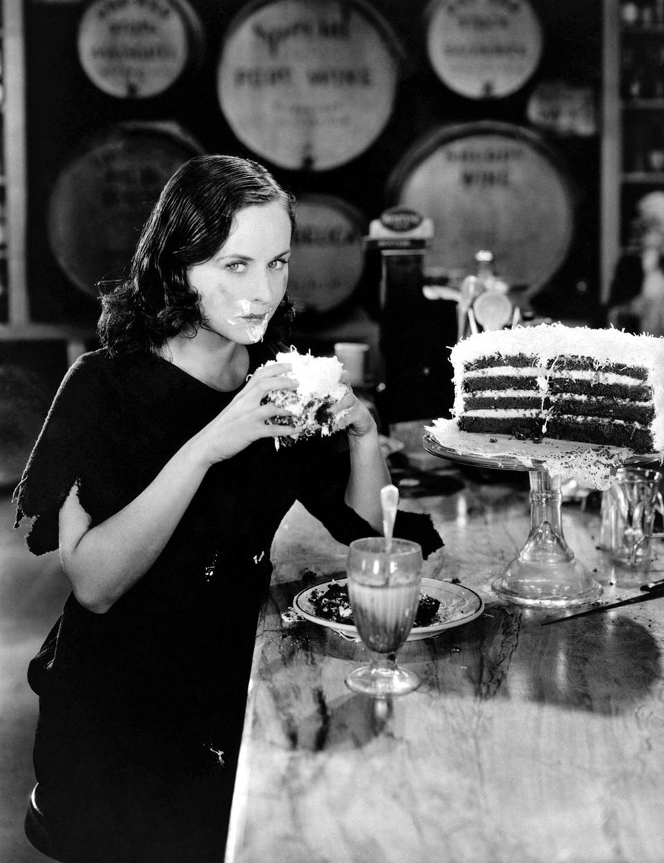 """Read more about the article Vintage Actress Paulette Goddard in """"Modern Times"""""""