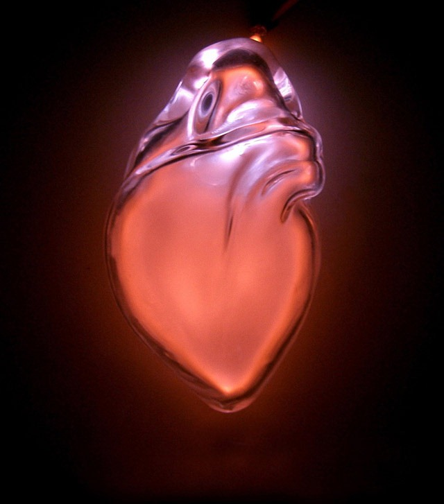 Read more about the article Anatomical Neon – Blown Glass Sculptures of Human Organs