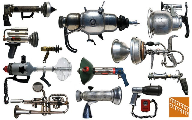 Read more about the article Retro-Futuristic Rayguns Made From Found Objects