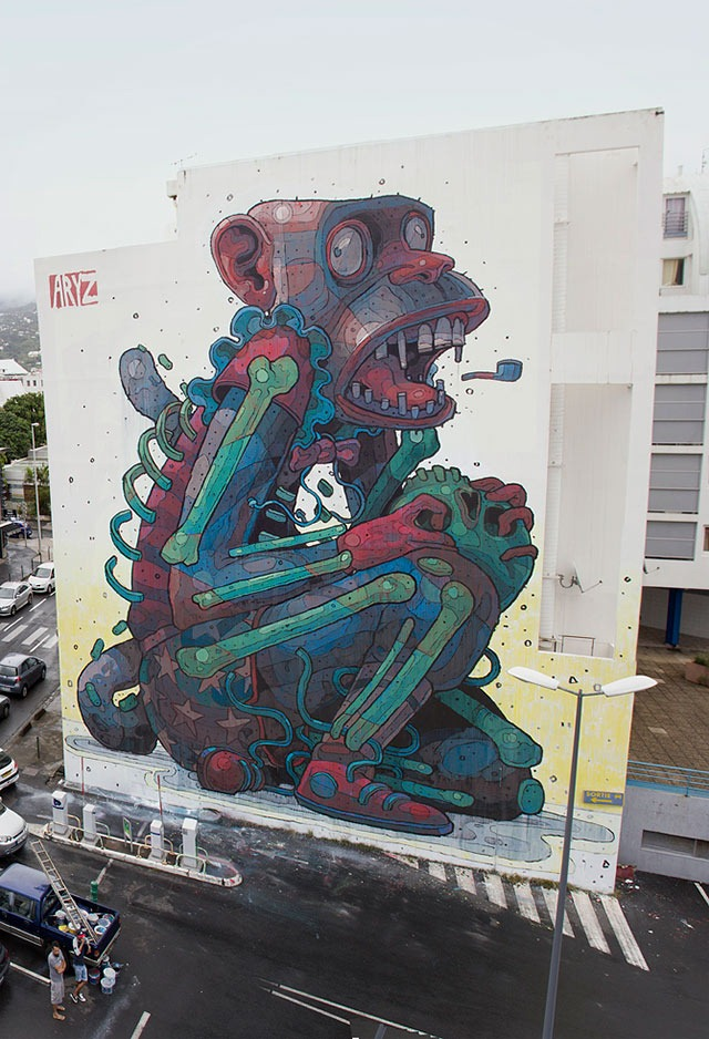 Read more about the article 'Monkey Business' – A Huge Street Art Mural by Aryz
