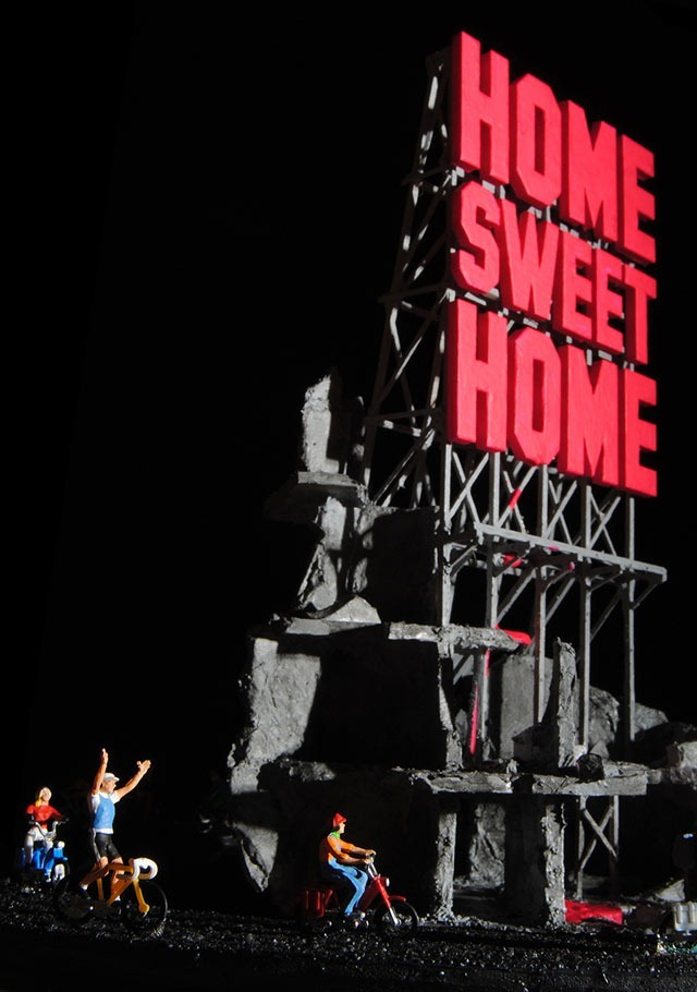 Read more about the article Home Sweet Home: A Satirical Diorama Sculpture by  Greek Artist Polychroniadis