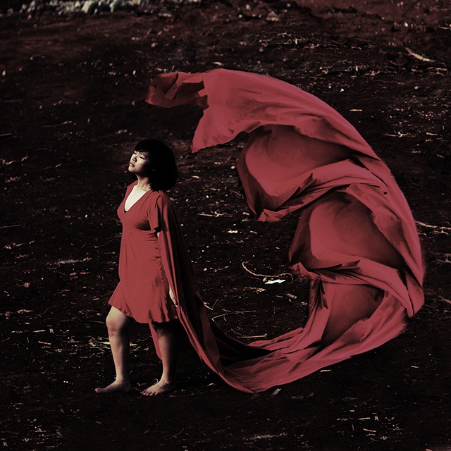 Read more about the article The Surreal Photography of Arimbi Alessandra