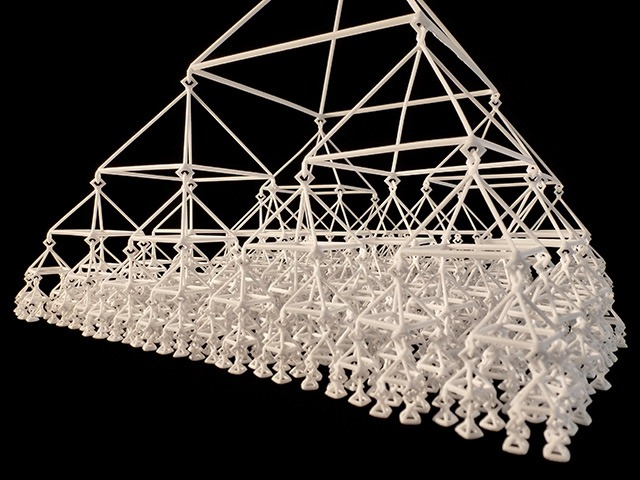 Read more about the article Marco Mahler's 3D Printed Kinetic Sculptures