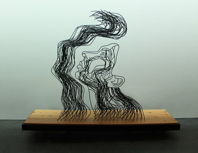 Read more about the article Gavin Worth's Wire Sculpture About Hope