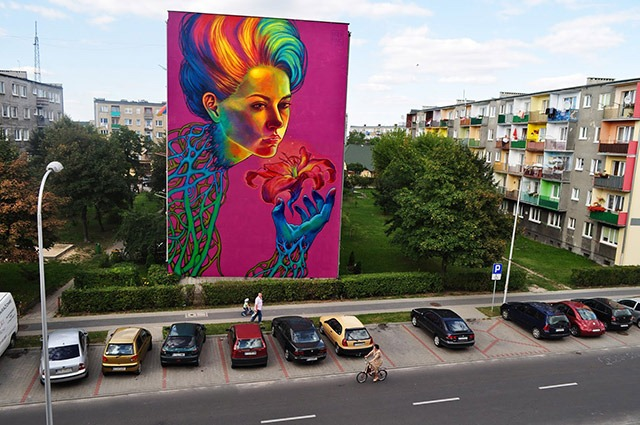 Read more about the article A 4 Story High Street Art Mural by Natalia Rak