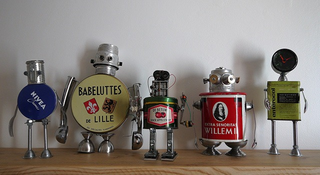 Read more about the article Cute Robot Sculptures Made From Recycled Materials