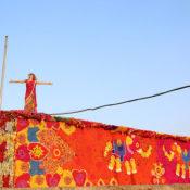 Olek-Rain-Basera-Crocheted-Yarn-Installation-in-New-Delhi-01