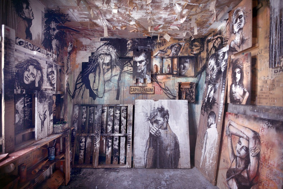 Read more about the article Street Art Installation in an Condemned Building