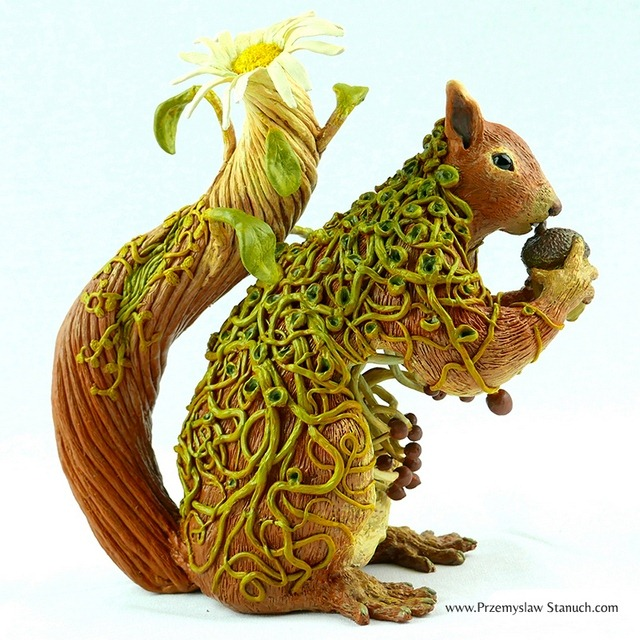 Read more about the article The Charming Fantasy Sculptures of Polish Artist Przemyslaw Stanuch